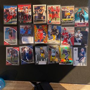 36 Football Cards Brady Mahomes Rogers for Sale in Gilroy, CA