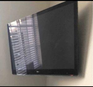 Lg 42 inch Tv for Sale in Oakland Park, FL