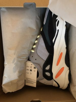 Yeezy 700 Wave Runner size 7 for Sale in Beaverton, OR