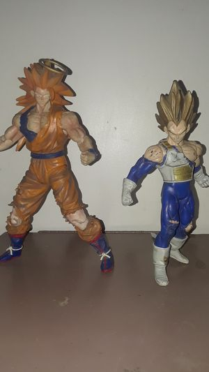 Dragon Ball Z action figures, didn't wanna sell but really need the money 😔 / $30 for both for Sale in San Bernardino, CA