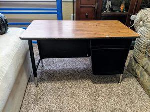 Little kids desk for Sale in Chandler, AZ