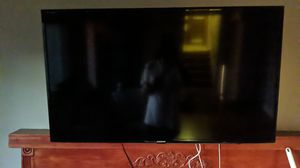Samsung tv with mount un46h6203 for Sale in Federal Way, WA
