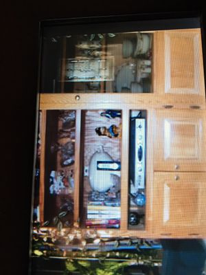 Oak cabinet. Free. Just pick it up, for Sale in Rio Grande, NJ