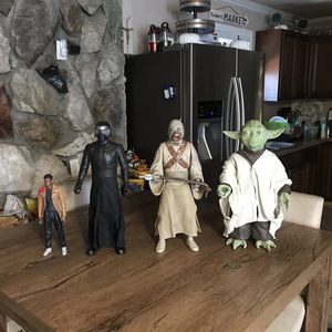 Original Star Wars action figure yoda and tuskin raider and Kylo ren And Finn if bought bundle $90 or separate in description 👇below for Sale in Norwalk, CA