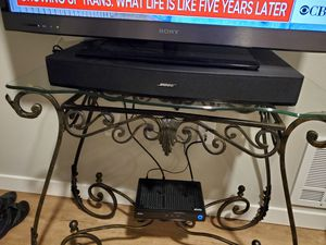Bose sound bar with remote for Sale in Bellevue, WA