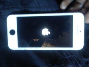 ALL WHITE IPHONE 5 for Sale in Atlanta, GA