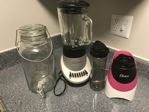 2 blenders and a lemonade pitcher for Sale in Marysville, OH