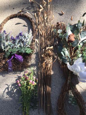 Flower arrangement/Flower pots for Sale in Clawson, MI