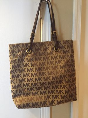 Michael Kors Tote for Sale in West Springfield, VA