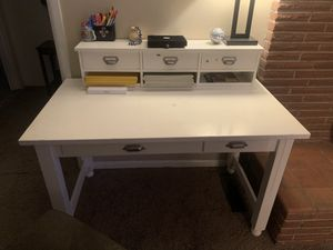 Office desk for Sale in SeaTac, WA