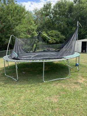 Trampoline for Sale in Blue Grass, IA