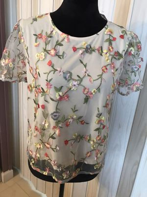 THE CLOTHING COMPANY BLOUSE SIZE M for Sale in Hollywood, FL