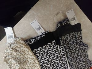 Mk michael kors infiniti scarfs for Sale in Portland, OR