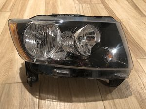 2013-2017 OEM JEEP COMPASS RIGHT HEADLIGHT for Sale in Irving, TX