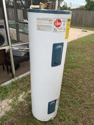 Used Rheem water heater for Sale in Hollywood, FL