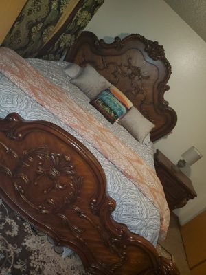 King Size bed( Solid Wood) with one night stand and larger dresser with mirror for Sale in Auburn, WA