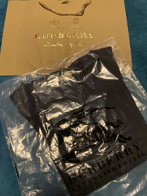 BURBERRY TSHIRT for Sale in Doral, FL