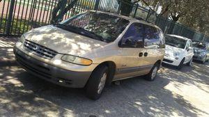 Mini van for sale batteru died dont need it no more runs good for Sale in Miami Beach, FL