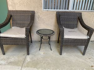 Resin Whicker Patio Chairs and table for Sale in Whittier, CA