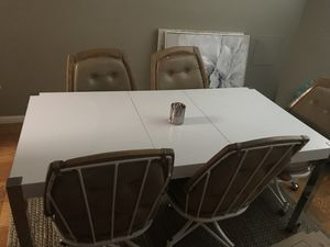 Dining room table for Sale in Silver Spring, MD