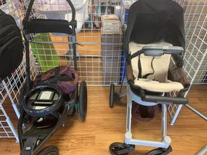 Car seat stroller for Sale in Lakeland, FL