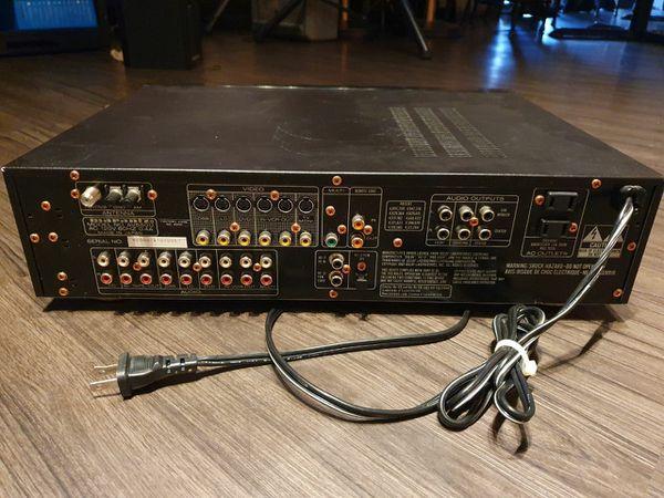 Marantz AV-550 Preamplifier Processor Tuner