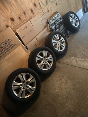 Set of 4 Michalin 215/60R16 Tires With Rims (LIKE NEW) for Sale in North Royalton, OH
