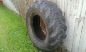 Tractor tire / good for flower pot or ranch farm scene landscape 65$OBO for Sale in San Antonio, TX