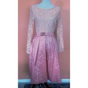 The Moon pink lace dress size Medium for Sale in Salt Lake City, UT