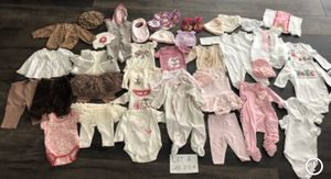 Lot A - Girls clothing 0 to 3 months for Sale in Wildomar, CA