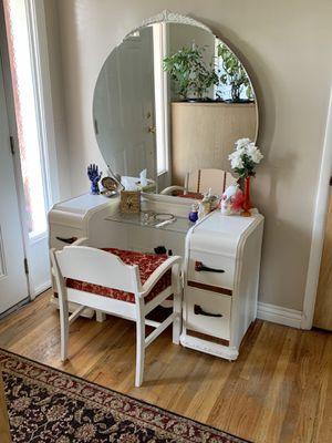 Beautiful Waterfall Vanity Set w Huge Round Mirror & Vanity Bench for Sale in Midvale, UT