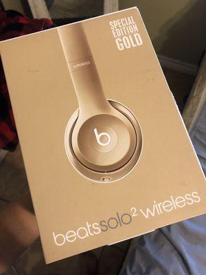 Beats Solo 2 Wireless (Gold) for Sale in San Antonio, TX