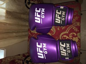 Boxing UFC GLOVES for Sale in Houston, TX
