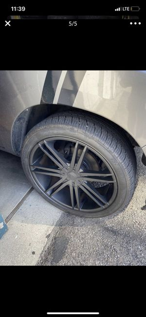 24s rims universal for Sale in Paramount, CA