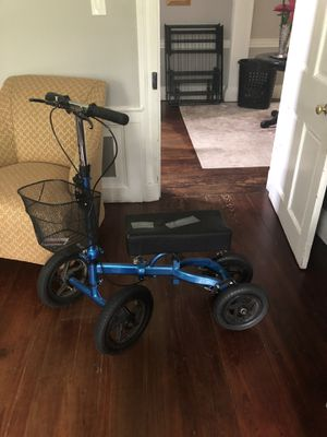 All terrain knee scooter for Sale in Pemberton, NJ
