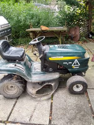 Craftsman 17.5 hp lawn tractor, ran good last year. Needs new starter. Not running this year. New battery otherwise good condition/ tires. for Sale in Glen Ellyn, IL