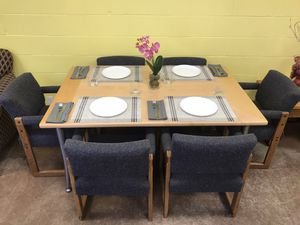 Beautiful dining table with 6 gray chairs for Sale in San Diego, CA