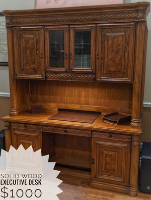 Executive Desk with hutch for Sale in Tampa, FL