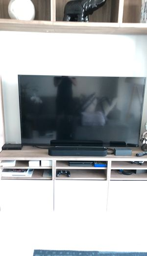 60 inch flat screen (SMART TV) SONY BRAVIA for Sale in Miami, FL