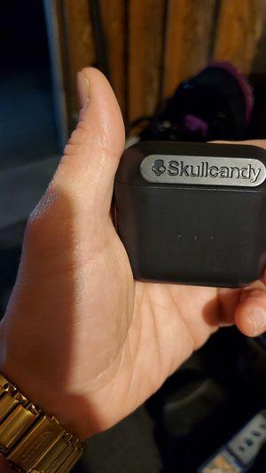 Skull Candy wireless headphones retells 100 bucks barely used for Sale in Kennewick, WA