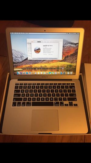 """WARRANTY 2017 MacBook Air 13"""" Apple laptop + STUDENT + EXTRAS for Sale in Hartford, CT"""
