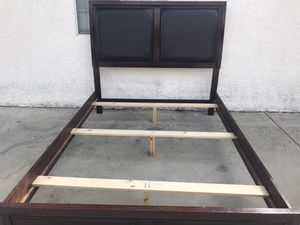 Queen bed frame for Sale in Rancho Cucamonga, CA