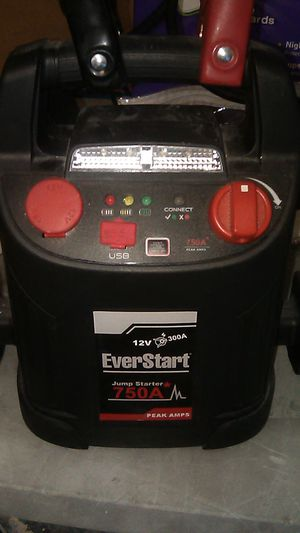 Car battery charger w/air compressor for Sale in Las Vegas, NV