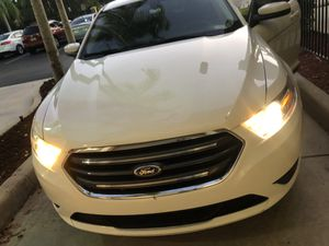 Ford Taurus 2015 for Sale in Pembroke Pines, FL