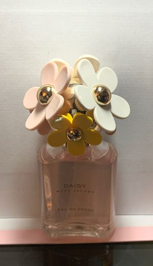 Daisy Marc Jacobs eau so fresh 2.5 fl oz perfume for Sale in Baldwin Park, CA
