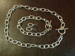 New Toggle Silver Big Chain Necklace, Bracelet and Matching Earrings for Sale in Poulsbo, WA