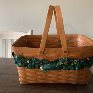 Large Longaberger Basket for Sale in Cranbury Township, NJ