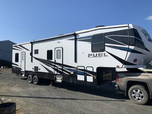 2019 Heartland Fuel Toy Hauler -13 ft garage room-2 slides 5500 watt gen for Sale in Vancouver, WA