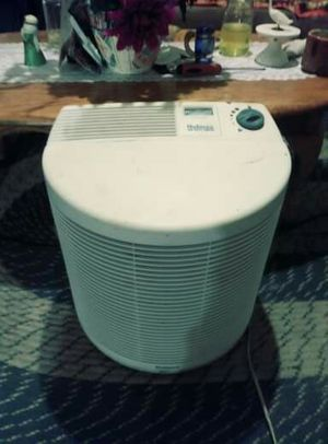 Holmes dehumidifier / air purifier good condition works great no low balls for Sale in Columbus, OH
