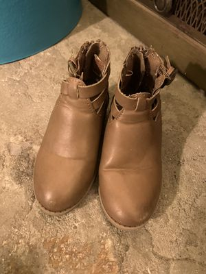 Brown boots for girls toddler size 7 for Sale in Santa Ana, CA